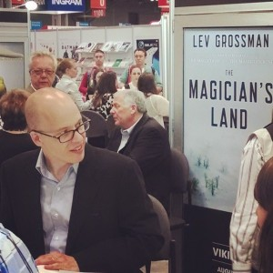 Lev Grossman signing copies of THE MAGICIAN'S LAND at BEA